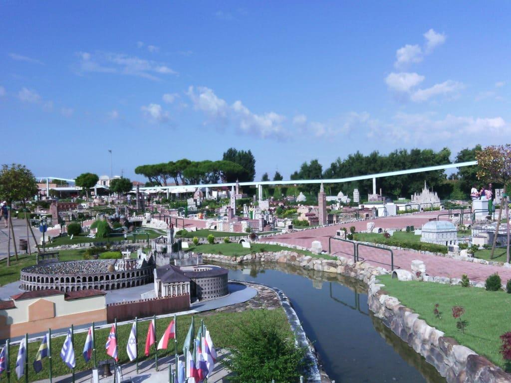parchi divertimento riviera romagnola